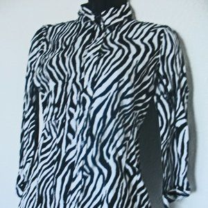 New York & Co. Blouse with Long Sleeves Size Small